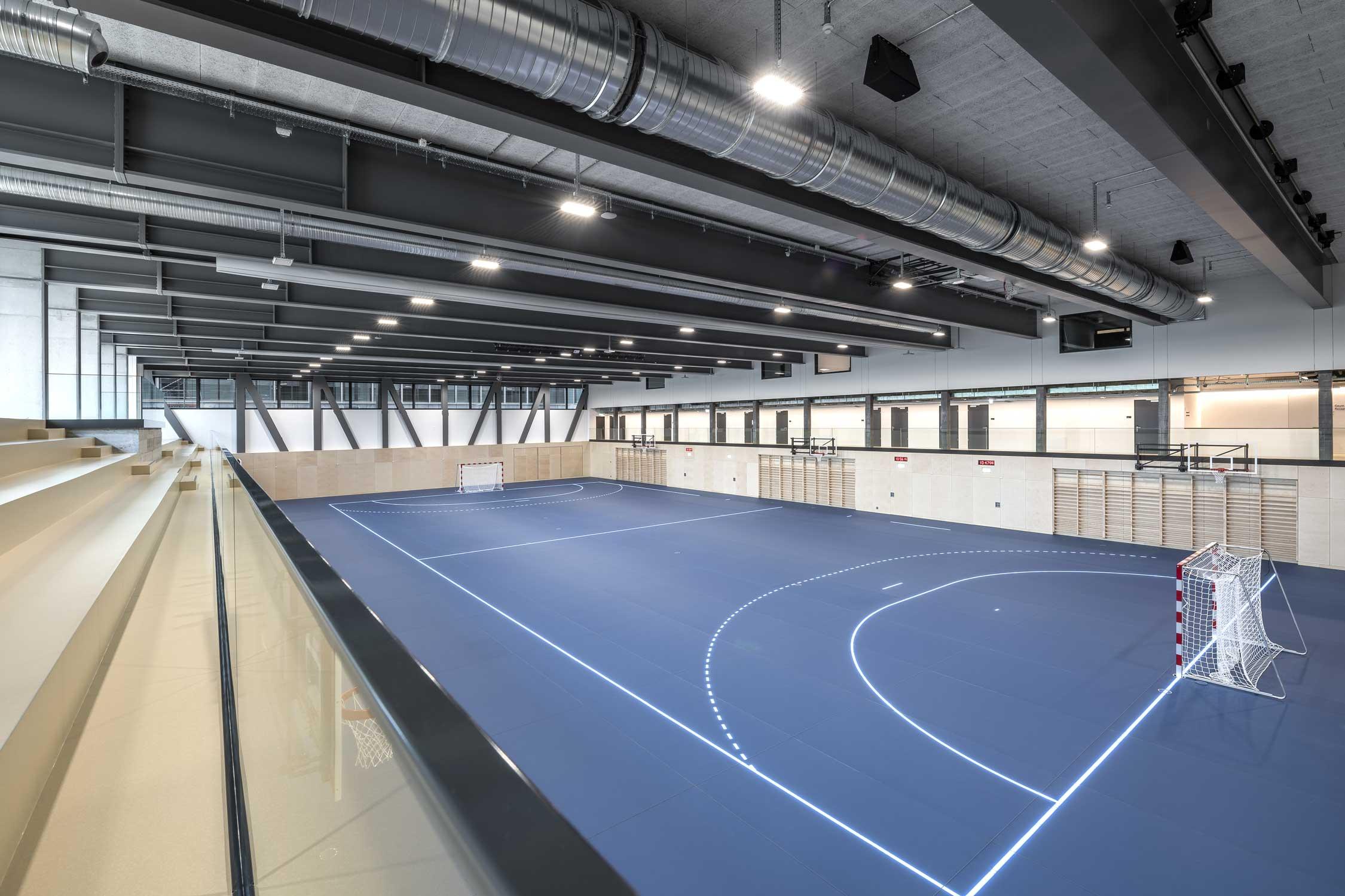 OYM Sporthalle Innenaufnahme Architekturfotografie Regine Giesecke