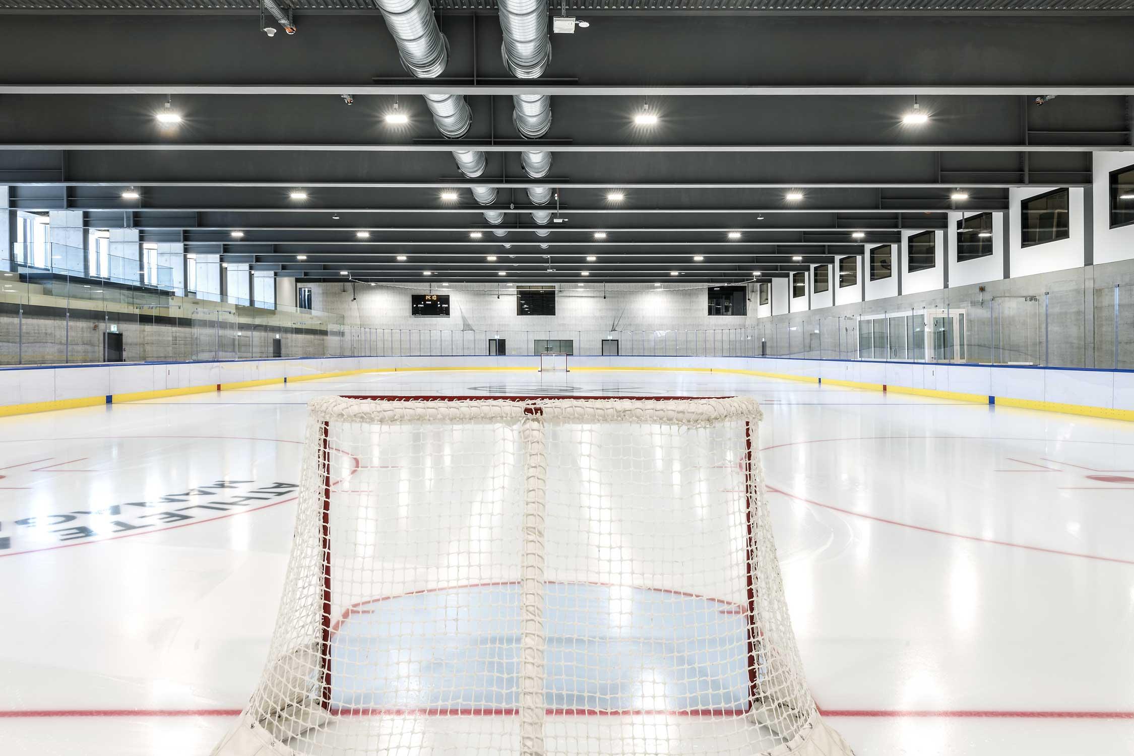 OYM Eishalle Innenaufnahme Architekturfotografie Regine Giesecke