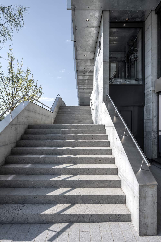 Aussenaufnahme Treppen OYM Architekturfotografie Regine Giesecke