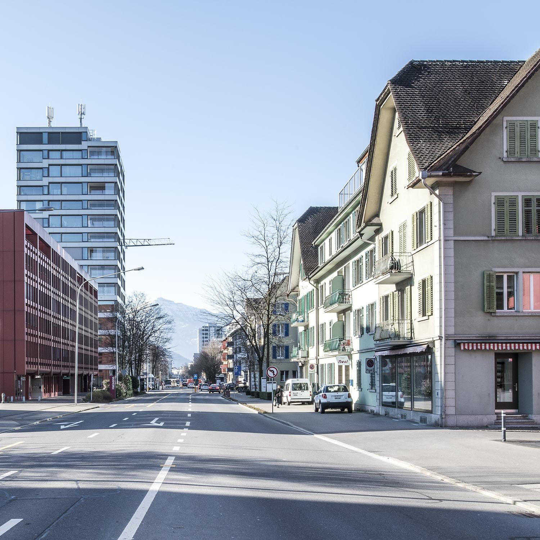 Baarerstrasse Richtung Zug Fotografie Regine Giesecke